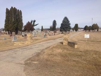 Arena_Cemetery_Arena_WI1.jpg